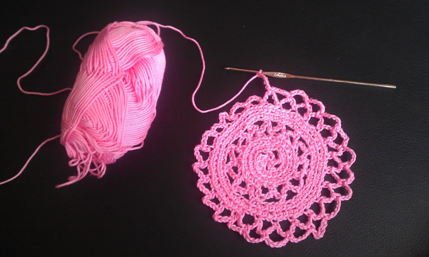 rosa Häckelei