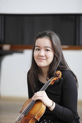 Marika Ikeya mit Violine