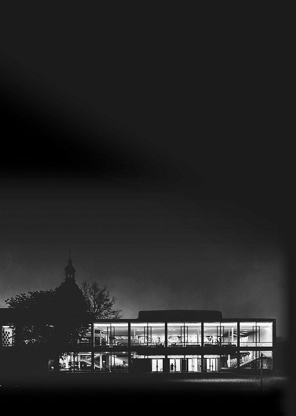Ein Gebäude fotografiert mit schwarz-weiss Filter.