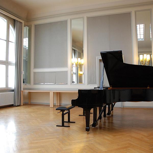 Ein Klavier.