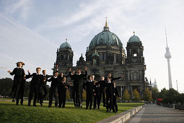 Staats- und Domchor vor dem Berliner Dom